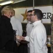 Il ministro Pinotti incontra i militari