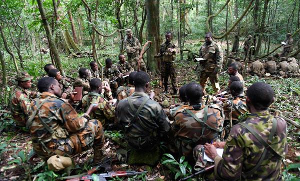 soldati inglesi nella giungla