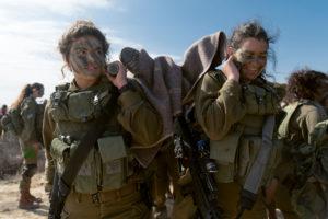 donne soldato di Israele (ph IDF)