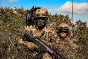 LA SASSARI COMPLETA L'ITER ADDESTRATIVO (foto Esercito Italiano)