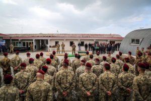 Consegna del brevetto per gli incursori del nono reggimento Col Moschin (foto esercito italiano)