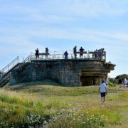 D-day La Pointe du Hoc con i suoi bunker e il cippo commemorativo