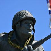 D-day, il monumento al maggiore Dick Winters della compagnia Easy 101 airborne