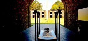 Il cimitero di guerra tedesco di Mont de Huisnes dove riposano le spoglie di Harti Schmiedel