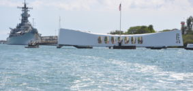 Arizona Memorial Battleship Missouri Pearl Harbor Hawaii (copyright Armymag)