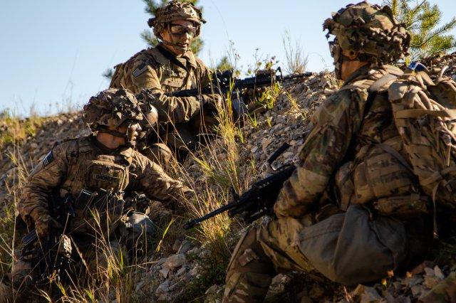 Una nuova mitragliatrice per l'Us Army (foto Us Army)
