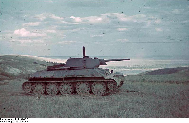 Sowjetischer Panzer T-34 1943 (foto Bundesarchiv)