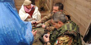 esercizio pratico di mediazione culturale (foto Esercito Italiano)