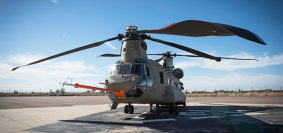 le nuove pale in fibra composita per il Chinook (foto Boeing)