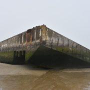 D-day I resti del Mulberry Harbour ad Arromanche