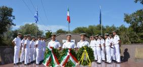 Nave Caroly e Palinuro a Cefalonia (foto Marina Militare)