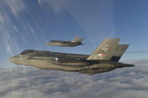 F35 dell'Aeronautica Militare schierati a Decimomannu (foto Aeronautica Militare)