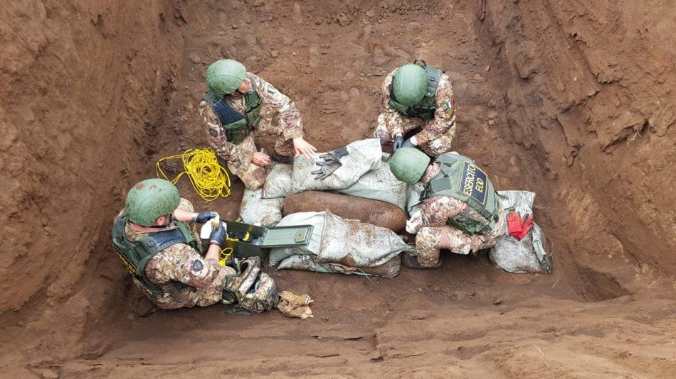 Esercito disinnesca una bomba Palestrina Eod Squad (Foto Esercito Italiano
