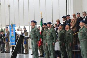 Cambio comando reggimento Antares (foto Esercito italiano)