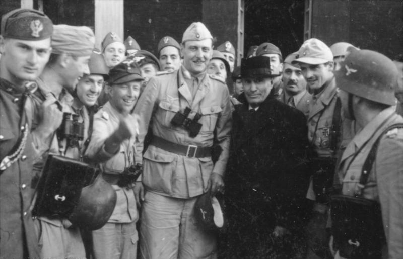Gran Sasso, Mussolini Skorzeny (foto Bundesarchiv)