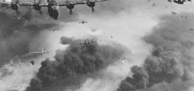I B-24D bombardano Ploiesti (Foto Usaaf)
