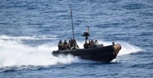 Nave Rizzo si esercita nel golfo di Guinea