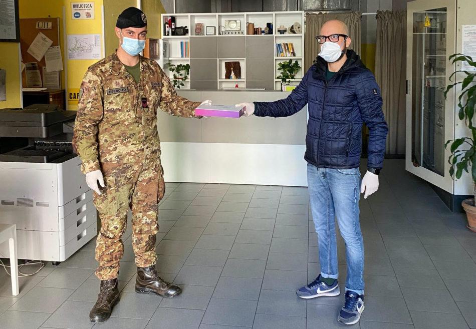 Istituto Cellini consegna Pc Esercito