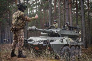 Esercitazione in Lettonia Blindo Centauro (foto Esercito Italiano)