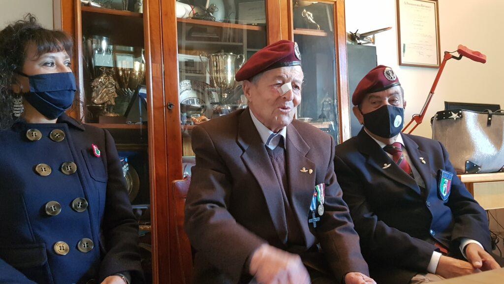 Parà Luigi Tosti 100 anni (foto esercito italiano)
