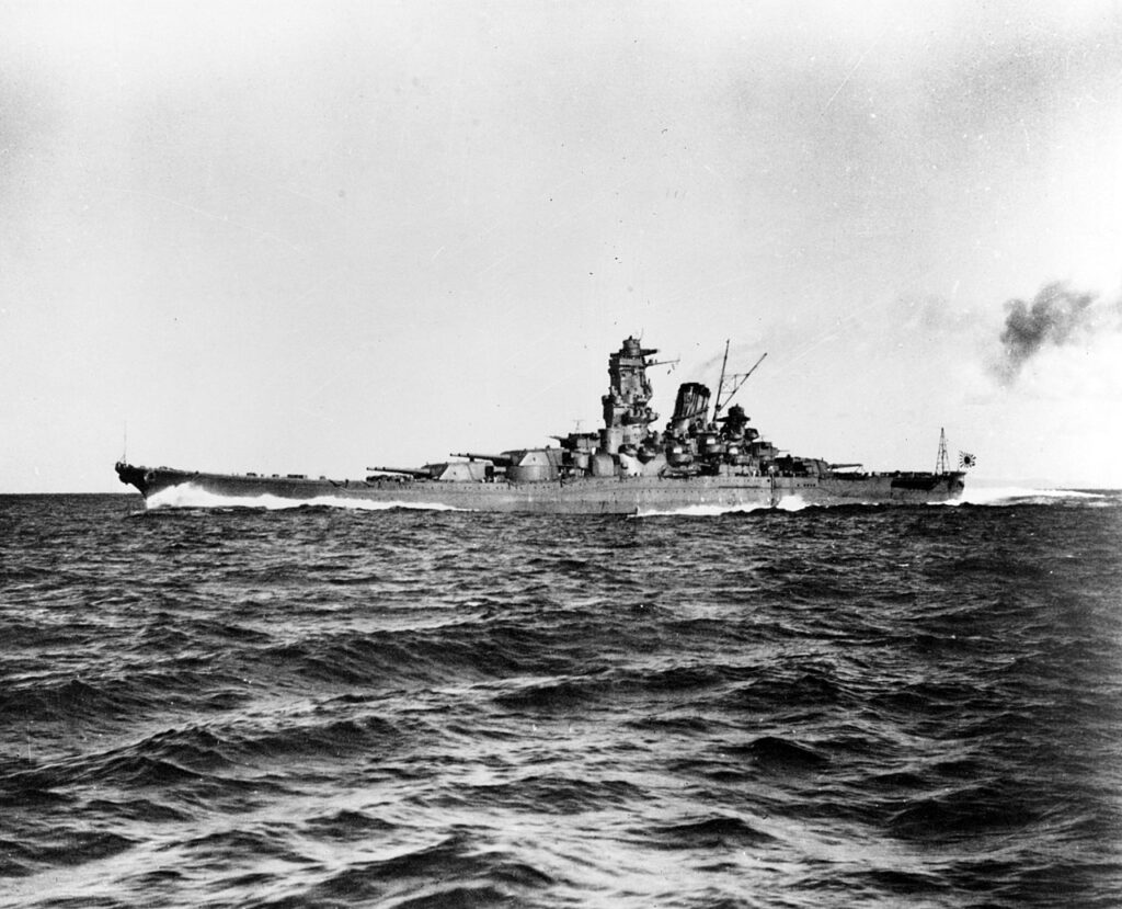 La Yamato in mare