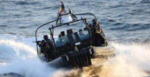 Esercitazione anti pirateria per Nave Martinengo