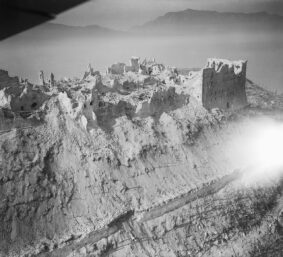 L'abbazia di Montecassino rasa al suolo dai bombardieri (foto IWM)