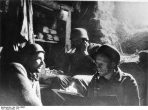 Fallschirmjäger riparati nell'abbazia (foto Bundesarchiv)