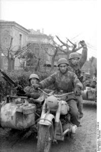 Campagna d'Italia Fallschirmjäger su Bmw