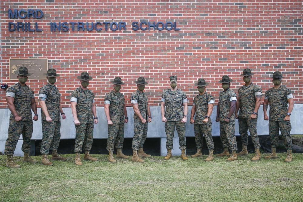 Sergenti Istruttori a Parris Island (U.S. Marine Corps photo by Sgt. Victoria Ross)