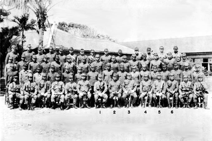 I comandanti giapponesi dell'Isola di Okinawa