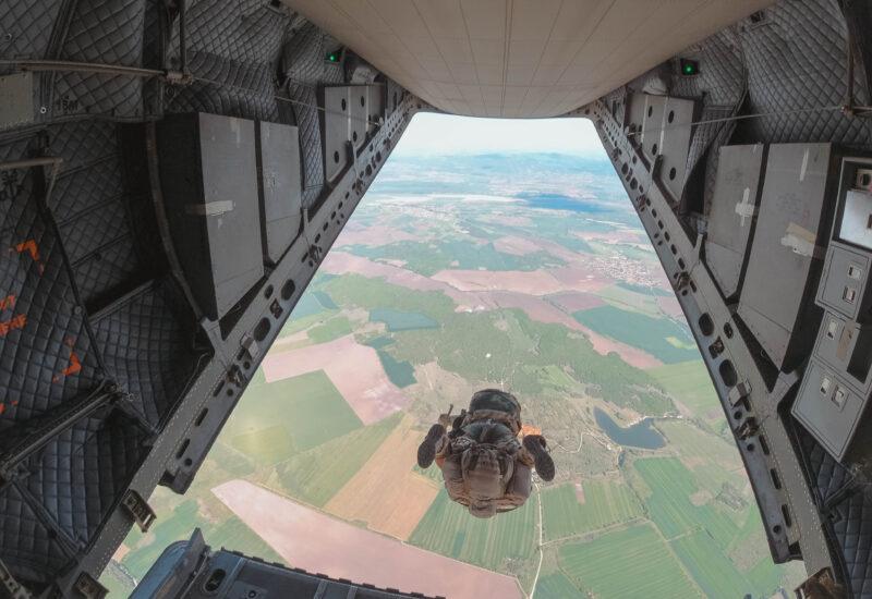 swift response 2021 per I paracadutisti del Nembo (foto Esercito Italiano)