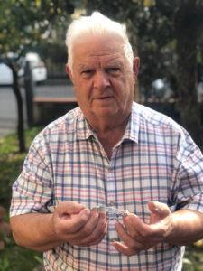 Antonio Schipani col braccialetto di John Smith
