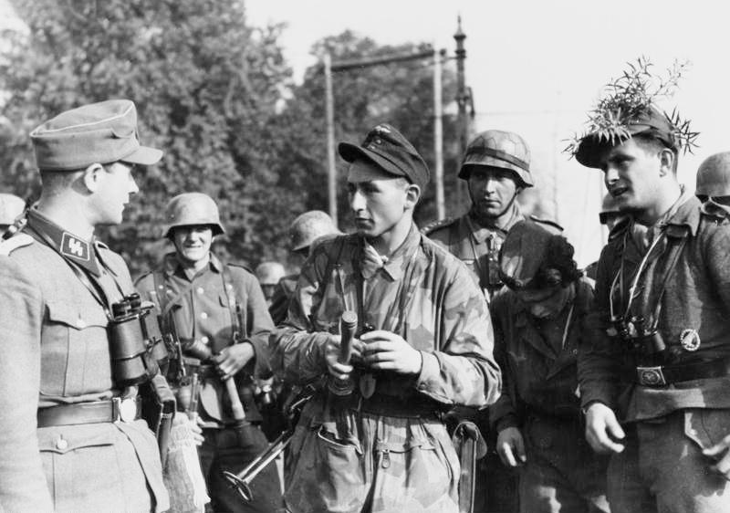 Bundesarchiv Arnheim soldati della Heer, Luftwaffe, SS-Führer
